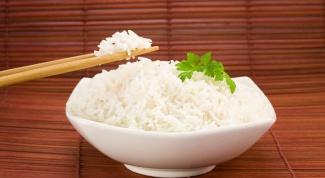 Как есть рис палочками