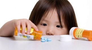 What to do if your child eats pills