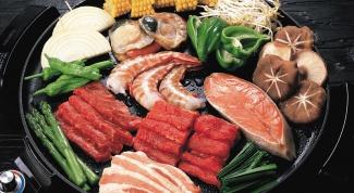 Как запекать мясо и рыбу одновременно