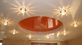 Как расположить светильники на натяжных потолках