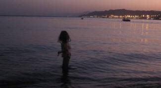 Почему нельзя купаться в Красном море ночью