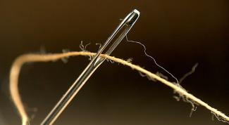 Какие есть гадания с иголкой и ниткой