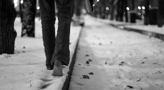 Почему полезно ходить босиком по снегу