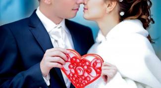 Как сделать сердце на День Святого Валентина в технике квиллинг