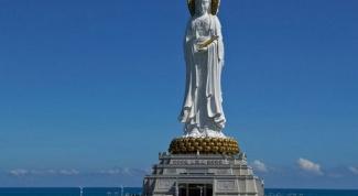 Какая женская скульптура самая большая в мире