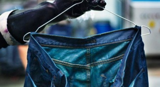 How to paint jeans in blue