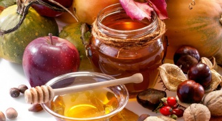 Honey with nuts: the benefits and terms of use