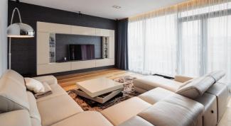 На каком расстоянии лучше всего располагать телевизор от дивана
