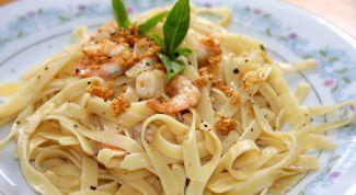 Рецепты блюд итальянской кухни: фетучини с креветками под сливочным соусом