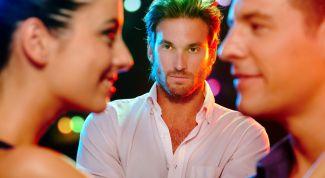 Ревнует - значит любит? Как вызвать ревность?