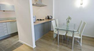 Фото стеклянных обеденных столов для кухни