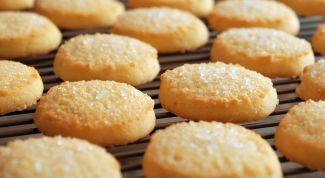 Готовим простое печенье на кефире