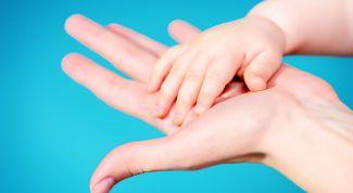 Заботимся о сухой коже: советы для мамы и ребенка