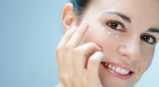 How to remove bags under eyes quickly at home
