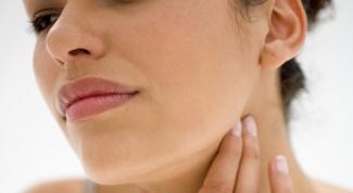 Боль в горле при глотании: как лечить