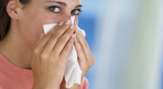 How to stop a nosebleed at home