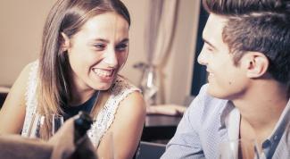 Как вести себя с мужчиной, чтобы он сам тянулся к женщине