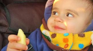 Зачем, когда и как вводить ребенку прикорм?