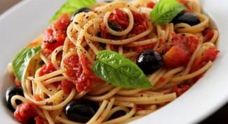 """Спагетти с курицей под соусом """"Маринара"""""""
