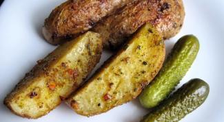 Картофель по-деревенски с чесноком и розмарином