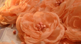 How to make a chiffon flower from your hands