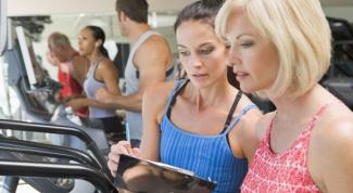 Как правильно выбрать фитнес-тренера