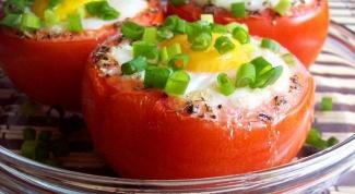 Яичница в помидоре или быстрый завтрак «Сказочная поляна»