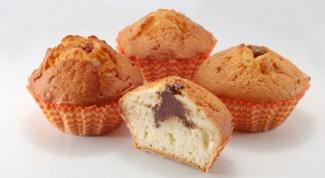 Как сделать кексы с начинкой