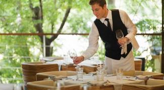 выбрать хорошего официанта для ресторана