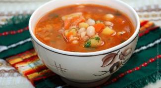 Пряный томатно-фасолевый суп с перцем