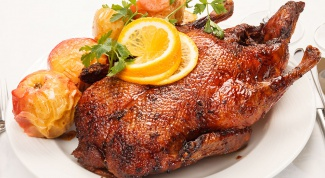 How to cook tender and juicy duck in the oven