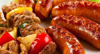 """Рецепты для пикника: семга с мятой, баклажаны острые, колбаски """"два в одном"""""""
