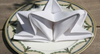Как красиво сложить бумажные салфетки