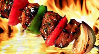 Choose meat for shashlik