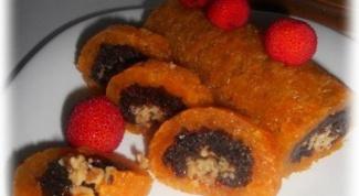 Как приготовить рулет из сухофруктов и ягод