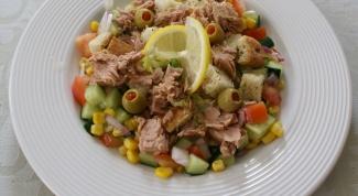 Как приготовить вкусный салат с консервированным тунцом