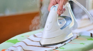 How to clean a iron inside and out: tips that work