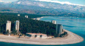 Holidays in Abkhazia: go to sandy beaches