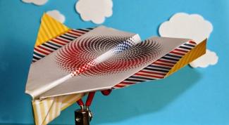 Как сделать из бумаги самолет, который летает на 100 метров