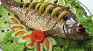 How delicious to cook carp in the oven