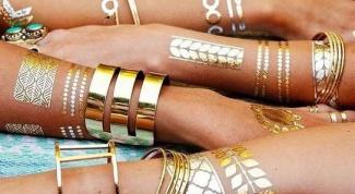 Тренд 2015: металлические татуировки