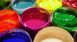 Какая краска подходит для окрашивания стен и потолка