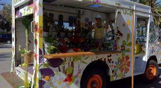 Business idea: a flower shop on wheels