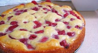 Как приготовить пирог с малиной в мультиварке