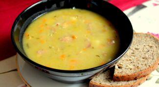 Суп с горохом и куриными желудками