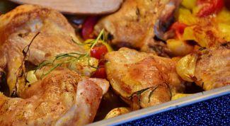 Как приготовить курицу с помидорами и сыром в духовке