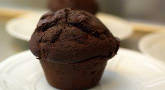 Как приготовить шоколадные кексы с вишней