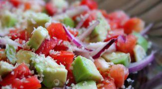 Как сделать салат из авокадо с помидорами
