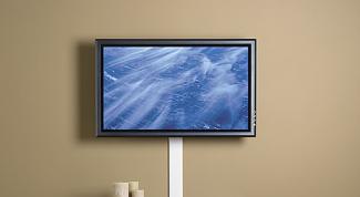 Как повесить телевизор на стену без специального крепления?