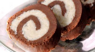 Как сделать шоколадно-кокосовый рулет без выпечки